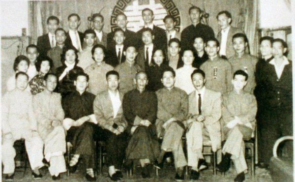 Carl Dechiara Wing Chun Lineage - Yip Man and Leung Sheung with class